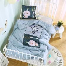 宏畅 车载抱枕车用枕头被子两用  磨毛数码印花抱枕被 猫咪女王-冰蓝【40*40cm,展开110*150cm】